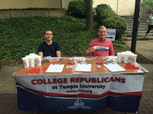 Chairman Stephen Zicker (right) and Vice-Chairman Travis Unger (left) signing-up new members during Temple Welcome Week